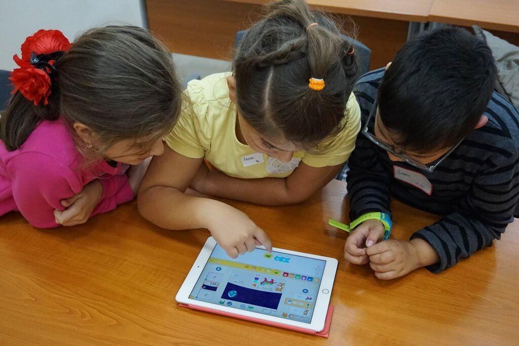 Русе - училищата предоставят обучение по информатика