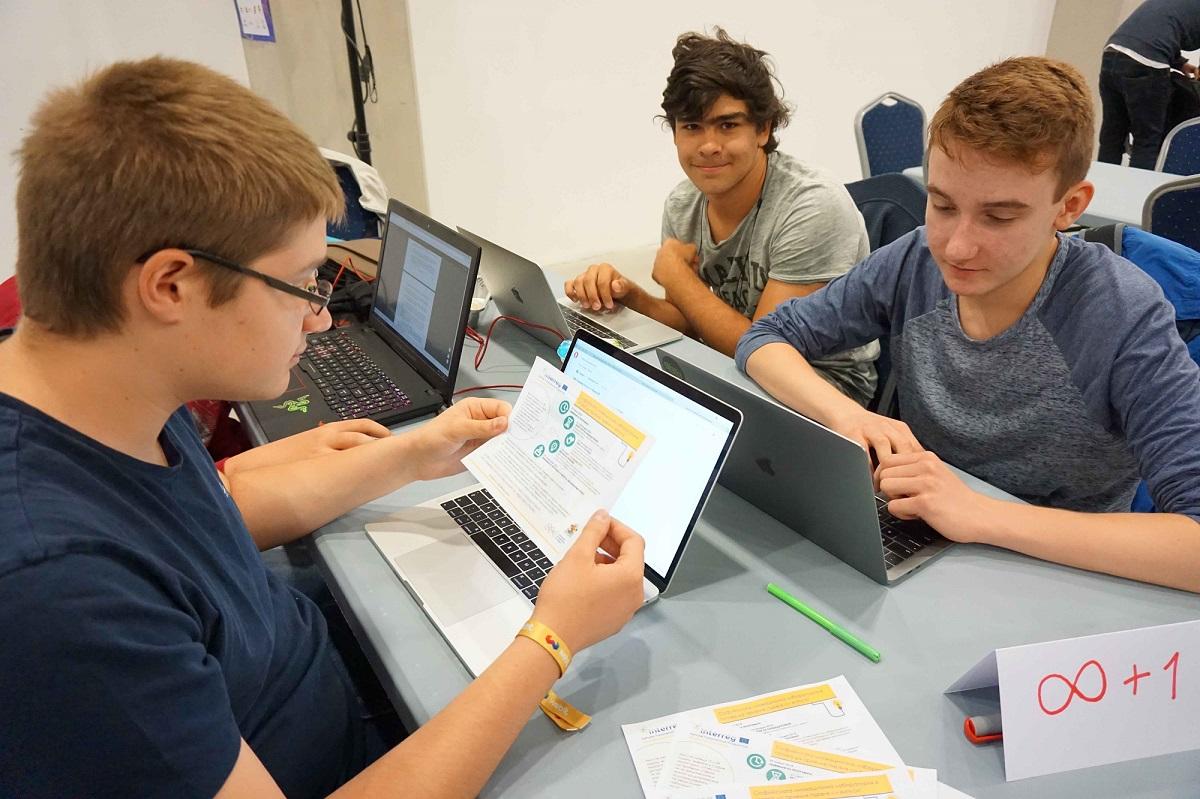 Ученици разработват дигитални проекти в ядрената наука и техника