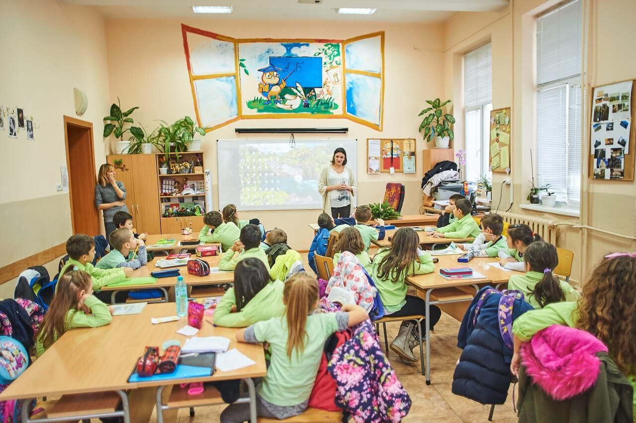 Стотици деца участваха в уроци по програмиране и роботика в Русе