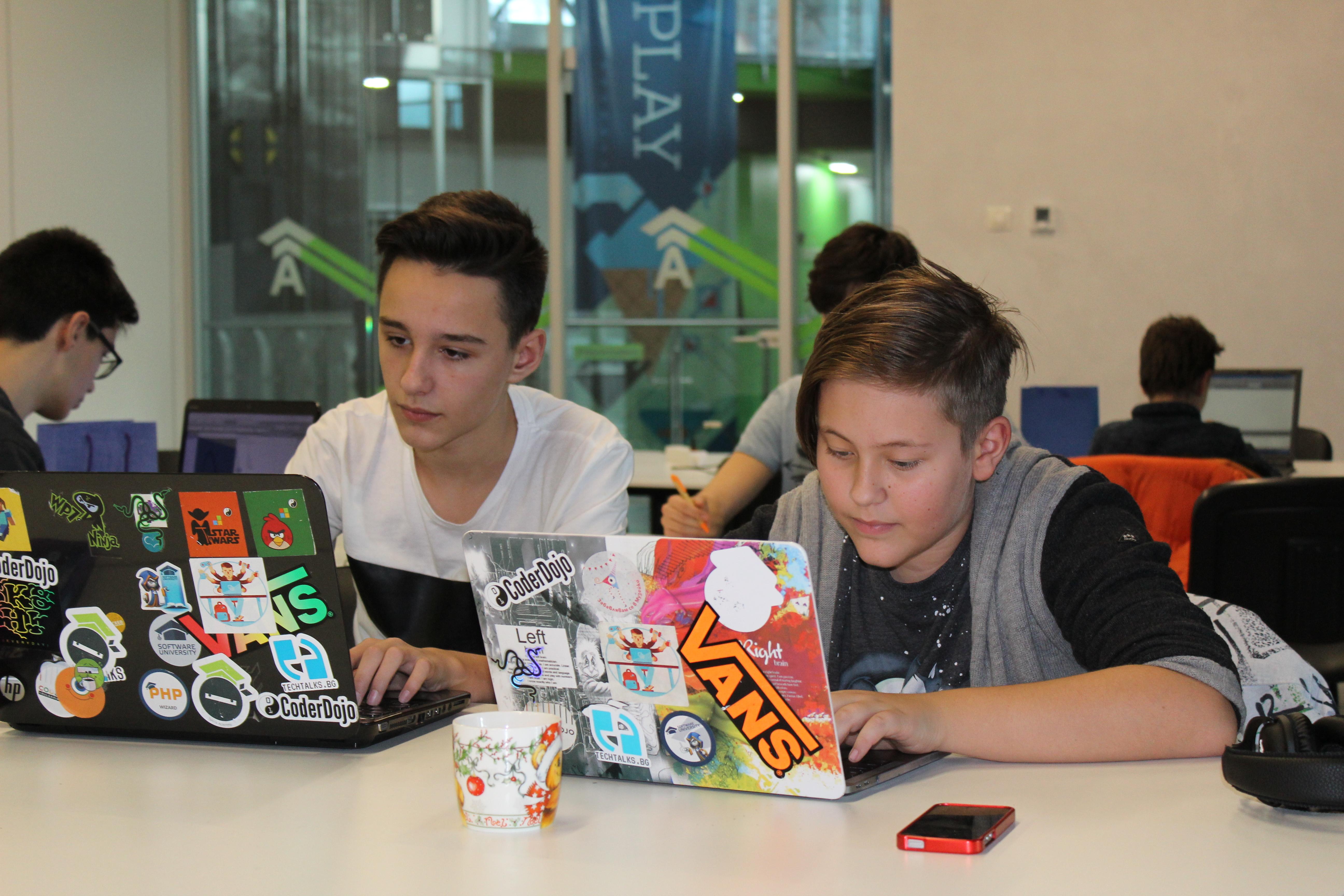 Телерик Академия въвежда нови програми за деца