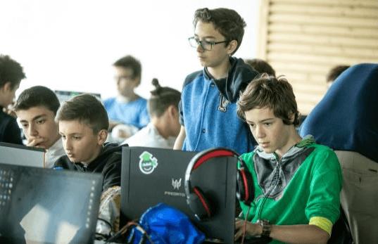 Над 90 безплатни школи по програмиране за ученици в 25 града