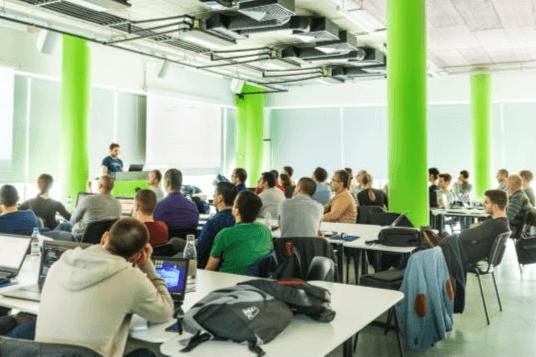 Кандидати за JavaScript разработчици приема Телерик Академия